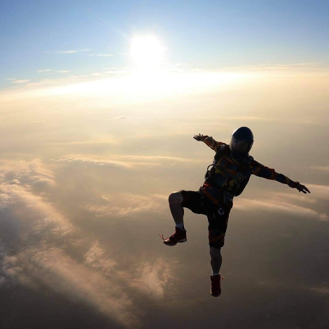Skydiving Pictures and Skydiving Videos